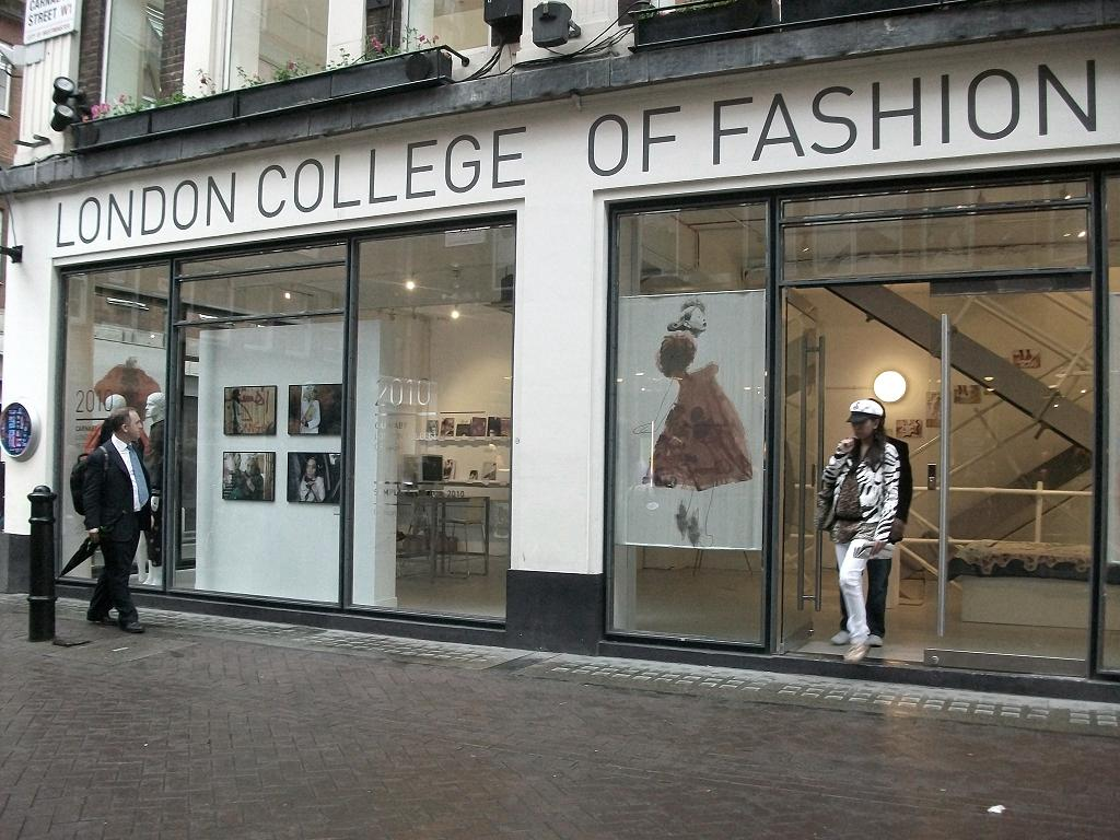 Fashion Institute of Technology (New York, USA) 8. Bunka Fashion College (Tokyo, Japan) 9. Shenkar College of Engineering and Design (Ramat Gan, Israel) Royal College of Art (London, UK) ESMOD (Paris, France) Savannah College of Art and .